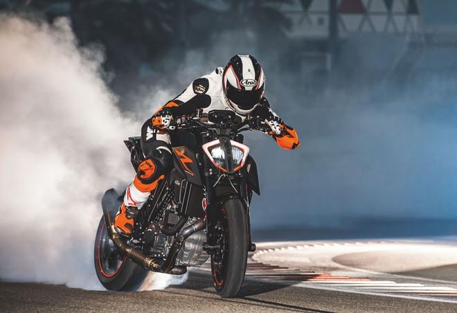 Siêu naked bike 2020 KTM 1290 Super Duke R ra mắt, chốt giá gần 500 triệu đồng - 1