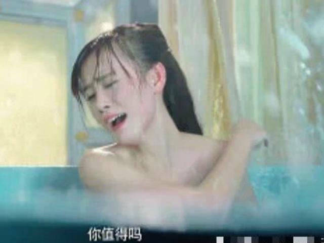 """""""Mỹ nữ 4000 năm"""" đòi diễn cảnh tắm thật, suýt bị bỏng là ai?"""