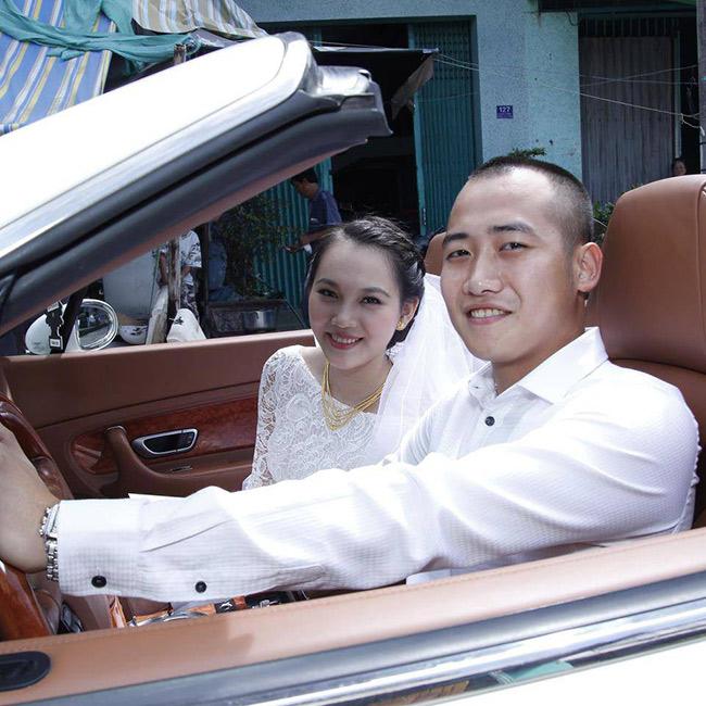 Siêu mẫu Ngọc Thạch từng gây xôn xao với đám cưới 7 tỷ đồng khi về làm dâu con nhà đại gia vào năm 2013. Chồng cô chính là thiếu gia Đỗ Bình Dương.