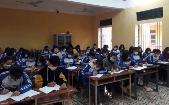 Cả lớp đeo khẩu trang đi học giữa dịch bệnh do virus corona - hình ảnh chia sẻ nhiều trên MXH - 1