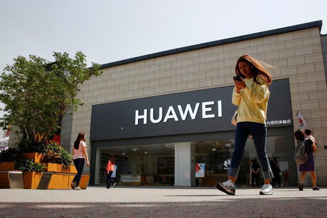 """Huawei mạnh miệng tuyên bố """"ly dị"""" Google - 1"""