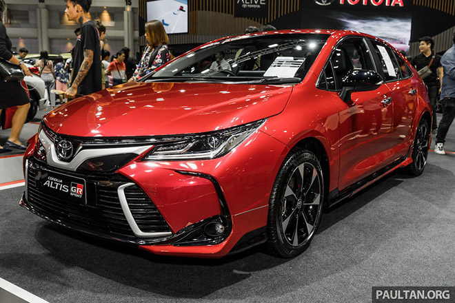 Cận cảnh Toyota Corolla Altis GR Sport đối thủ cạnh tranh với Honda Civic - 1