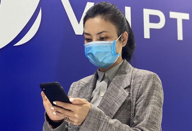Chỉ trong 1 ngày, hơn 18.000 cuộc gọi đến hotline phòng chống virus Corona - 1