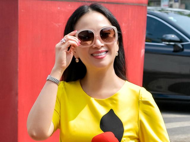 Em gái tỷ phú của Cẩm Ly về Việt Nam làm điều đặc biệt