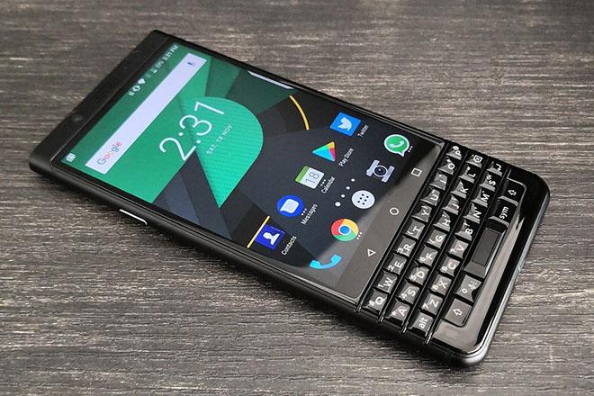Bị TCL bỏ rơi, điện thoại BlackBerry sắp đi vào dĩ vãng? - 1