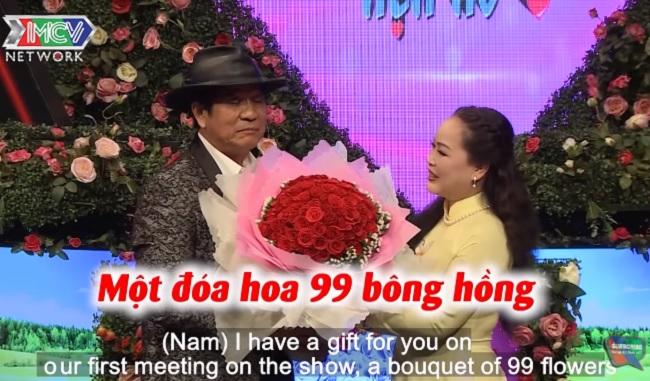 Ông chú U70 tặng 99 bông hồng vẫn từ chối hẹn hò chuyên viên kém 19 tuổi - 1