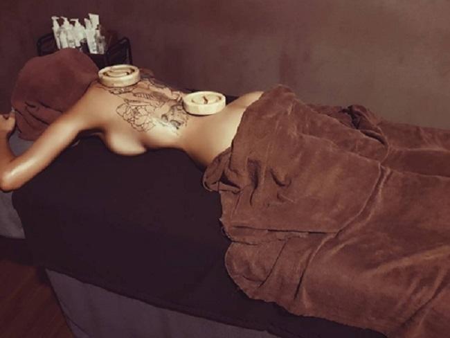 Ngoài tập gym và yoga, Hwang Ji Min còn chăm chỉ đi spa để thư giãn và chăm sóc da dẻ.