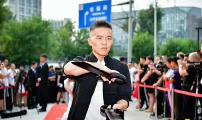 """Báo Trung Quốc gây sốc: """"Đệ tử"""" Diệp Vấn hơn hẳn Lý Tiểu Long, Chân Tử Đan - 1"""