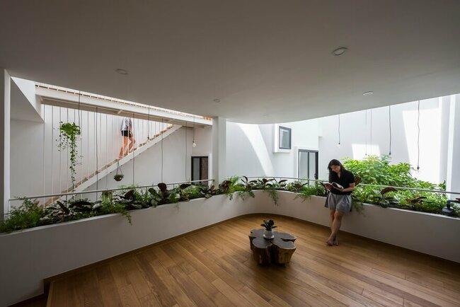Một trong hai căn nhà nhỏ sử dụng nguyên một tầng thoáng để làm phòngđa năng, đặc biệt là không gian chung đểcả gia đình tụ họpvà tiếpkhách.