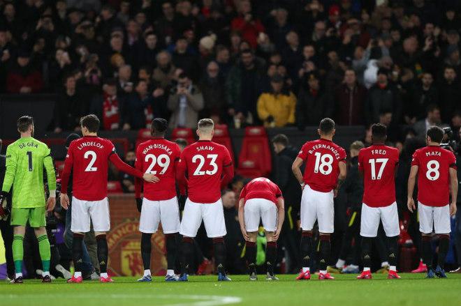 Rực lửa MU đấu Chelsea tranh Top 4: Lộ đội hình quyết tử tại Stamford Bridge - 1