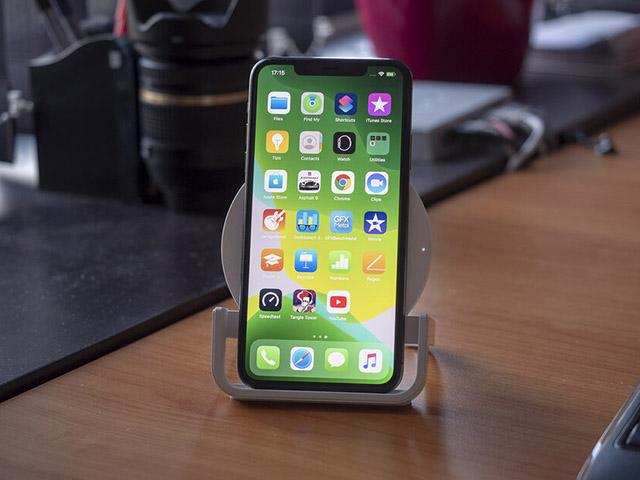 Có iPhone 11 Pro rồi, mua sạc không dây sao cho đúng cách?