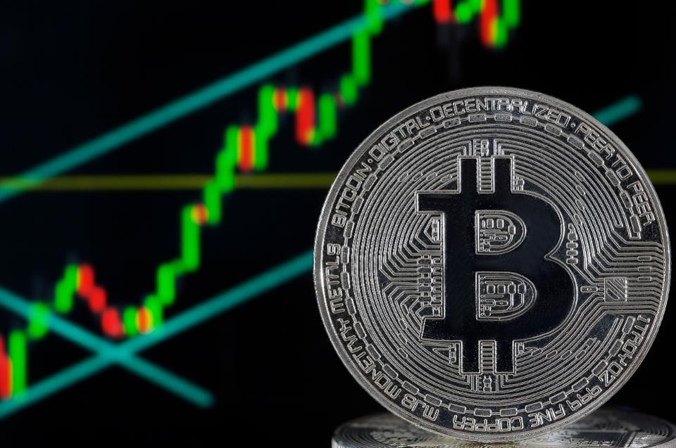 Giữa tâm dịch Corona, Bitcoin tăng đột biến, liên tiếp vượt đỉnh - 1