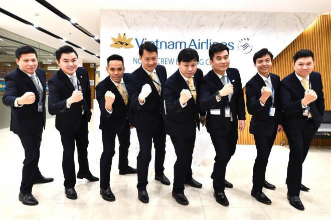 9 giờ không ăn, không uống của phi hành đoàn chuyến bay đưa công dân Việt từ Vũ Hán về nước - 1