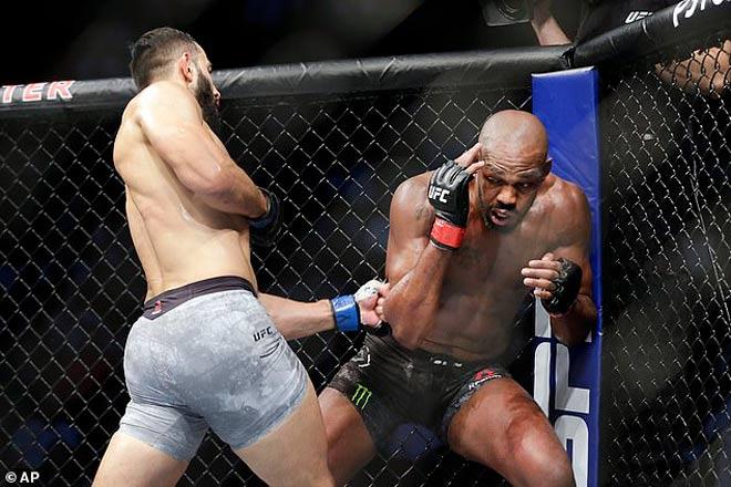 """Thua 90% vẫn được trọng tài cho thắng: """"Bố già UFC"""" phát điên vì bị qua mặt - 1"""