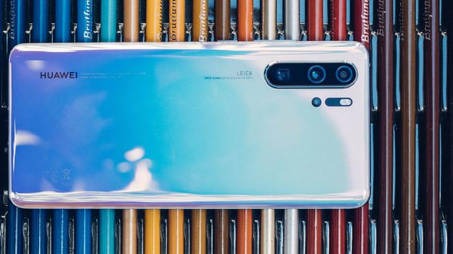 """Đây là 4 smartphone cao cấp nhưng giá đã xuống mức """"bình dân"""" rất dễ mua - 4"""