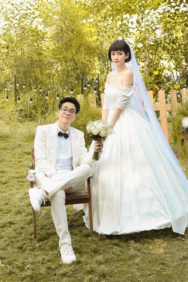 Khi đóng cùng MV và hát chung với Bùi Anh Tuấn, Hiền Hồ cũng vướng nghi vấn tình ái.