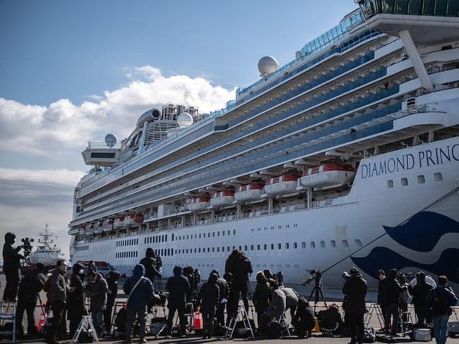 Du thuyền Diamond Princess đang bị cách ly ngoài khơi Nhật Bản. Nguyên nhân là do đến nay đã phát hiện 218hành khách trên du thuyền dương tính với Covid-19.