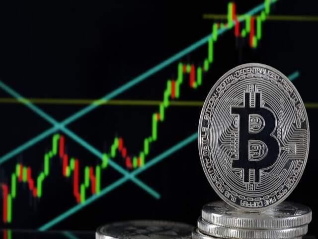 Bitcoin liên tục tăng sốc, tiền điện tử sẽ ra sao trong năm 2020?