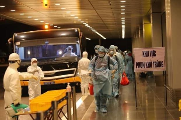 Hà Nội phát hiện 3 người nghi nhiễm virus Corona - 1