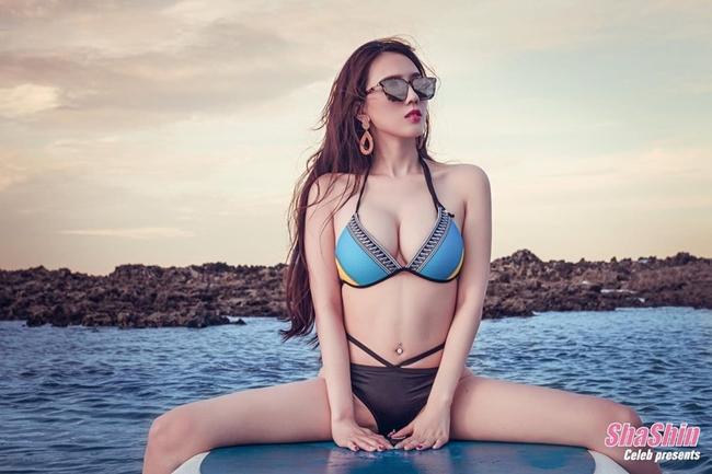 Mới đây, tờ Sohu bất ngờ đăng tải hình ảnh sang chảnh của chân dài nóng bỏng Ông Tử Hàm sau khi giành giải Người đẹp ăn ảnh nhất tại cuộc thi Hoa hậu châu Á 2019. Cuộc thi được tổ chức vào cuối năm 2019 với nhiều tai tiếng.