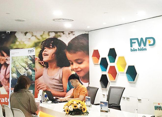 FWD tăng chi trả quyền lợi bảo hiểm cho khách hàng trong mùa đại dịch - 1