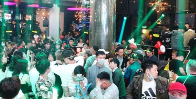 Tân giám đốc Công an Lâm Đồng chỉ đạo đánh úp quán bar ăn chơi bậc nhất Đà Lạt - 1