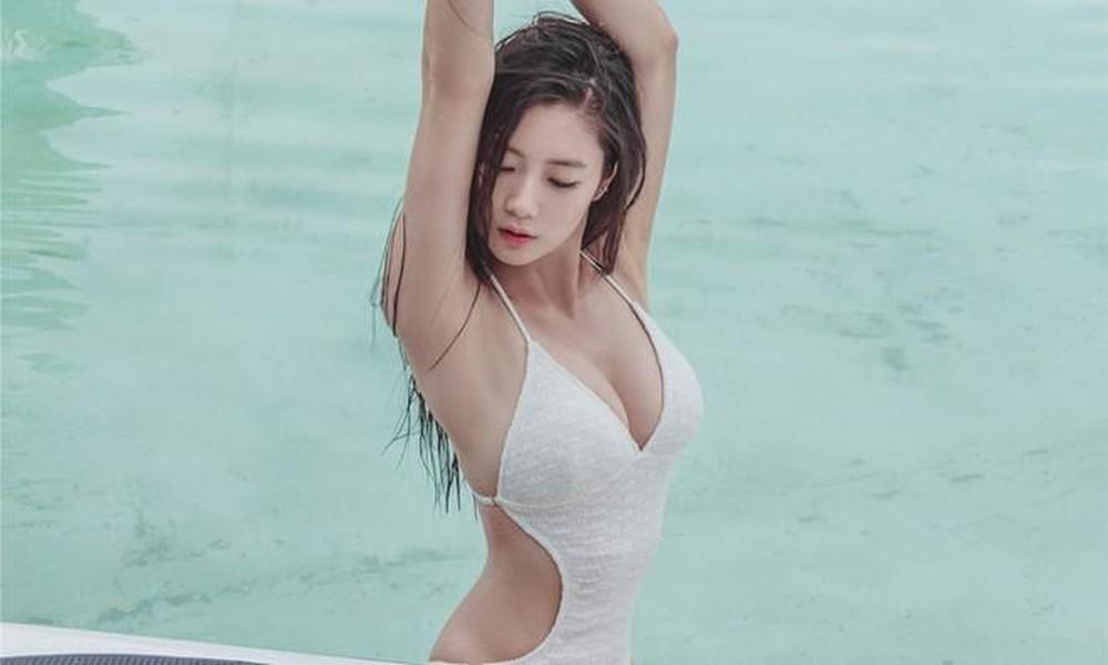 """""""Bom sex"""" xứ Hàn từng náo loạn phố đi bộ Hồ Gươm bị phụ huynh ghét vì lối mặc - 1"""
