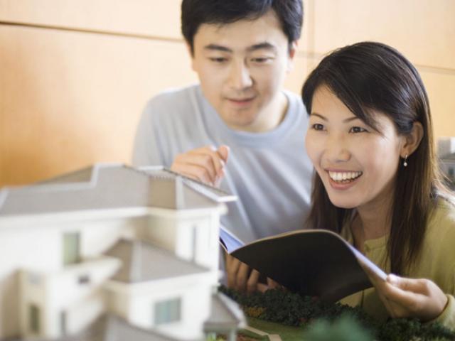 Có nên vay tiền mua nhà để có động lực kiếm tiền trả nợ?