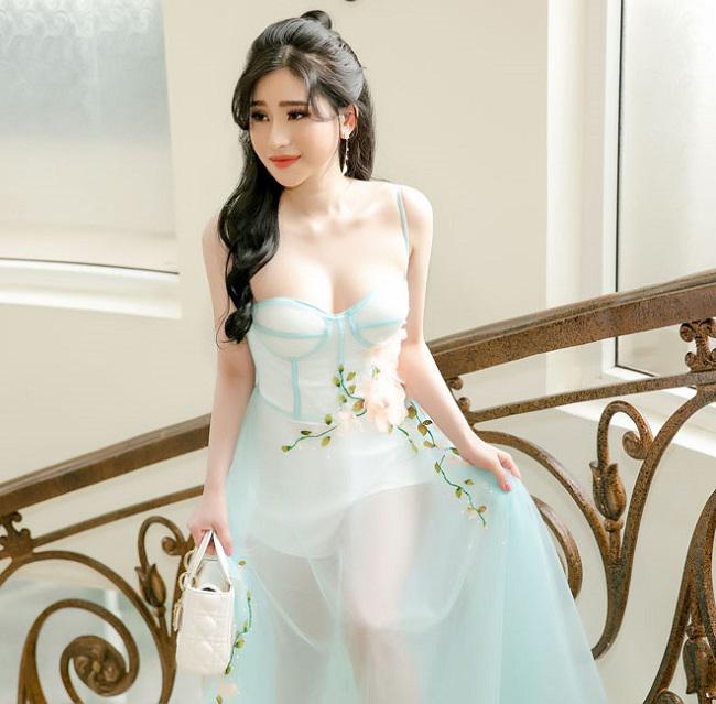 Không khó để nhận ra sau khi chia tay, mỹ nhân Việt ngày một gợi cảm hơn. Hot girl Ivy sau cuộc ly hôn gây xôn xao với nam ca sĩ Hồ Quang Hiếu ngày càng trở nên xinh đẹp.