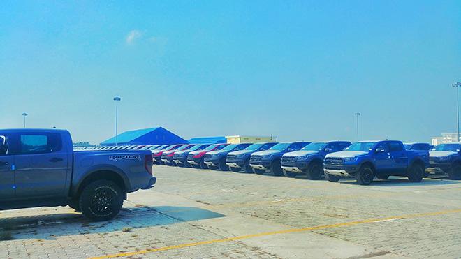 Hình ảnh lô xe Ford Ranger Raptor 2020 đầu tiên về Việt Nam - 1