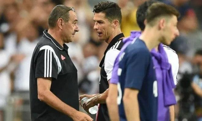 """Ronaldo """"hy sinh"""" siêu kỷ lục: """"Phù thủy"""" Sarri cao tay, giữ sức chờ bùng nổ cúp C1 - 1"""