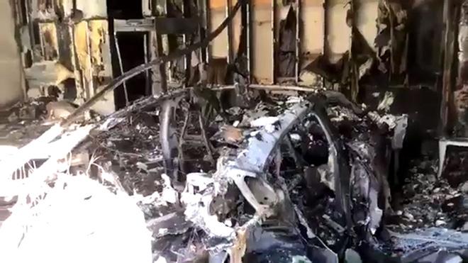 Porsche xác nhận về vụ cháy xe điện Taycan ở Florida - 1