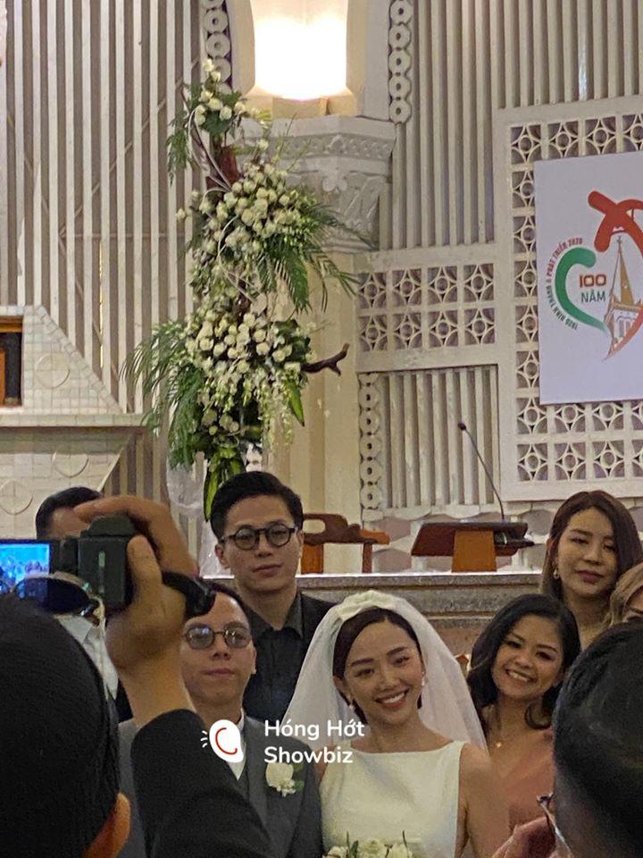 Tóc Tiên, Hoàng Touliver lộ diện trong đám cưới bí mật ở Đà Lạt - 1