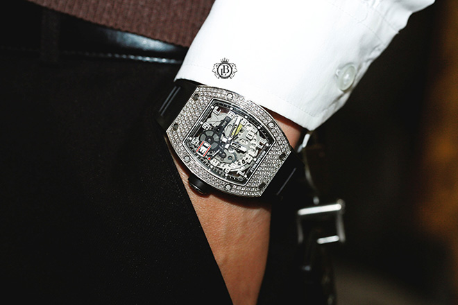 Boss Luxury gợi ý cách chọn mua đồng hồ phù hợp cho quý ông thành đạt - 1