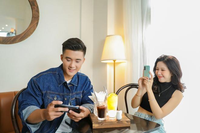 Người dùng được gì khi Samsung theo đuổi chiến lược 'đổi mới đảo chiều'? - 1