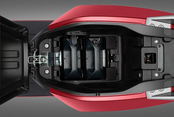VinFast bổ sung bộ sạc pin rời cho 3 dòng xe máy điện - 1