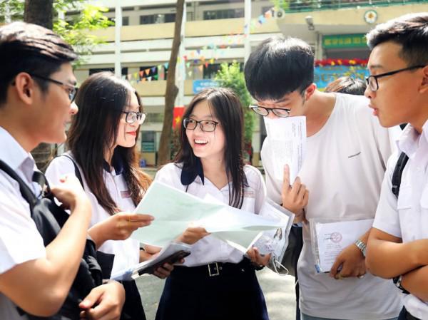 Lùi kỳ thi THPT quốc gia đến cuối tháng 7/2020:  Học sinh có bị áp lực? - 1
