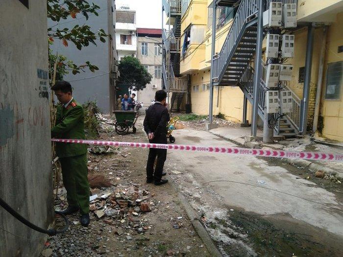 Bàng hoàng phát hiện nữ sinh viên rơi từ tầng cao chung cư xuống đất tử vong - 1