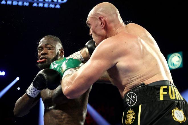 """Hậu siêu đại chiến boxing Fury-Wilder: Người """"tắm rượu"""", kẻ nhập viện - 1"""