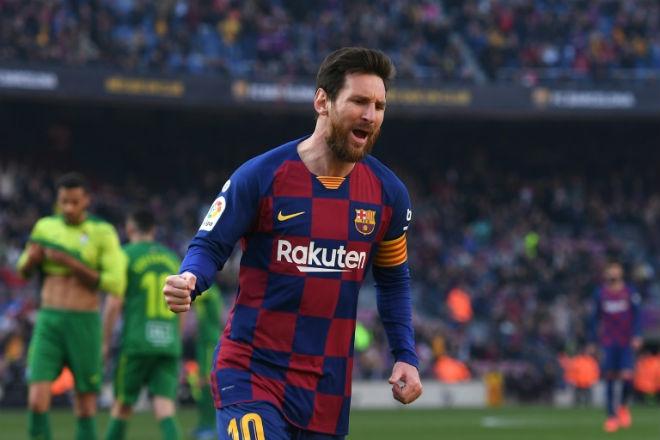 """Messi sắp đuổi kịp Vua bóng đá Pele: Vẫn bị đối thủ cúp C1 dọa """"khóa chân"""" - 1"""