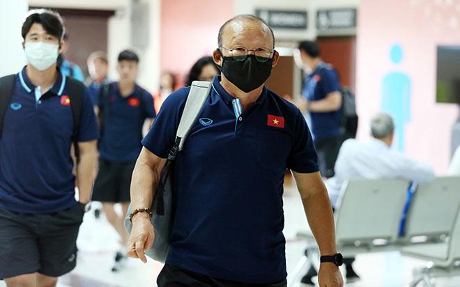 HLV Park Hang Seo nói gì khi từ Hàn Quốc đến Việt Nam thời dịch COVID-19? - 1