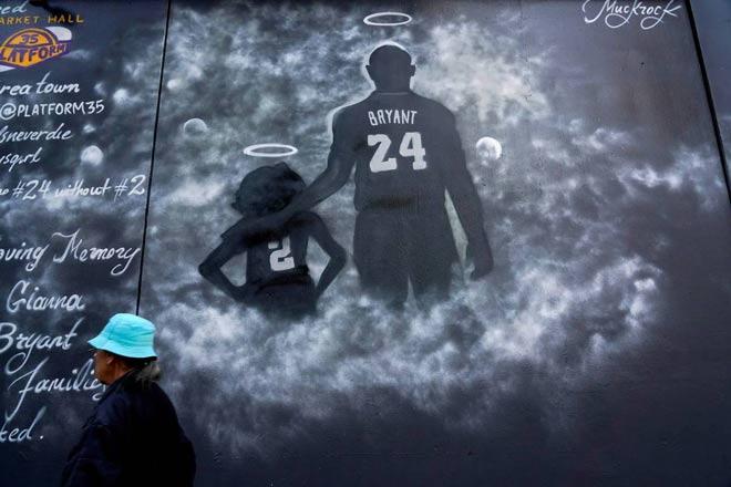 """2 vạn người vĩnh biệt Kobe Bryant: Michael Jordan tuôn lệ nói câu """"xé lòng"""" - 1"""