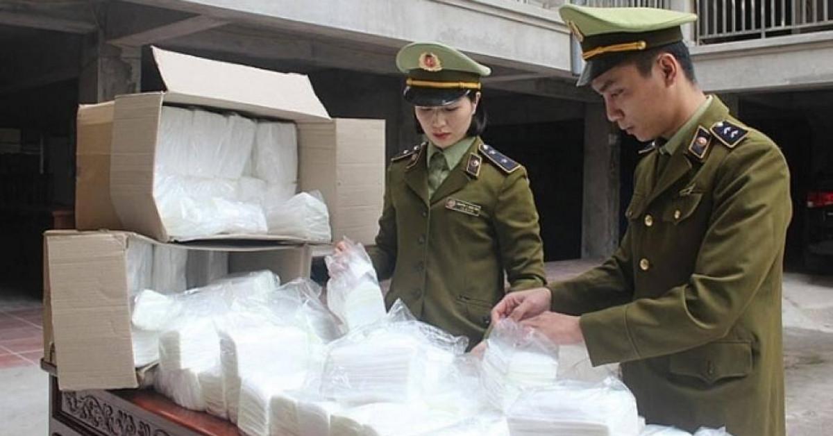 Hơn 126 nghìn khẩu trang bị tịch thu được đưa trở lại thị trường