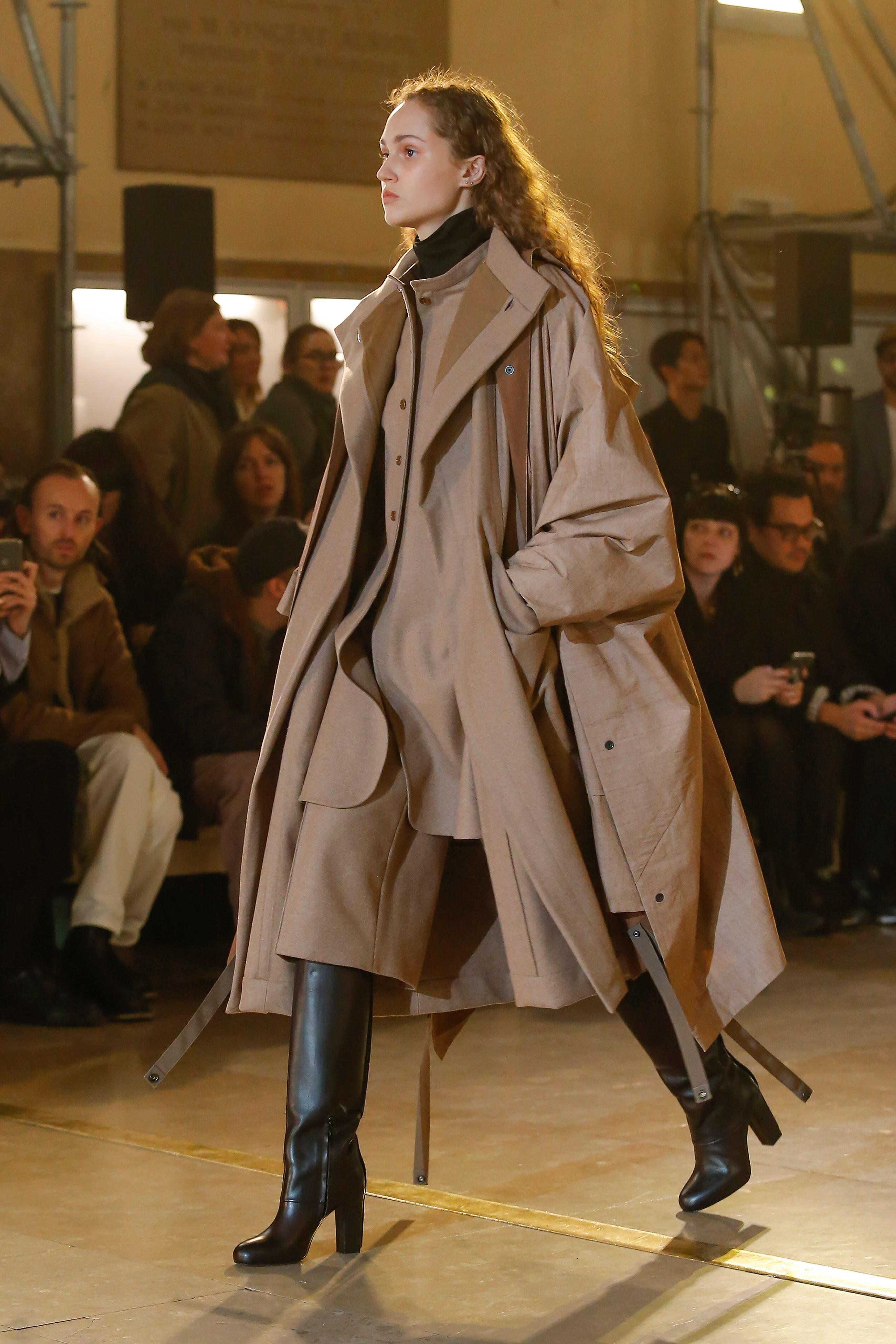 Thời trang nữ quyền của Dior tại Paris Fashion Week - 21