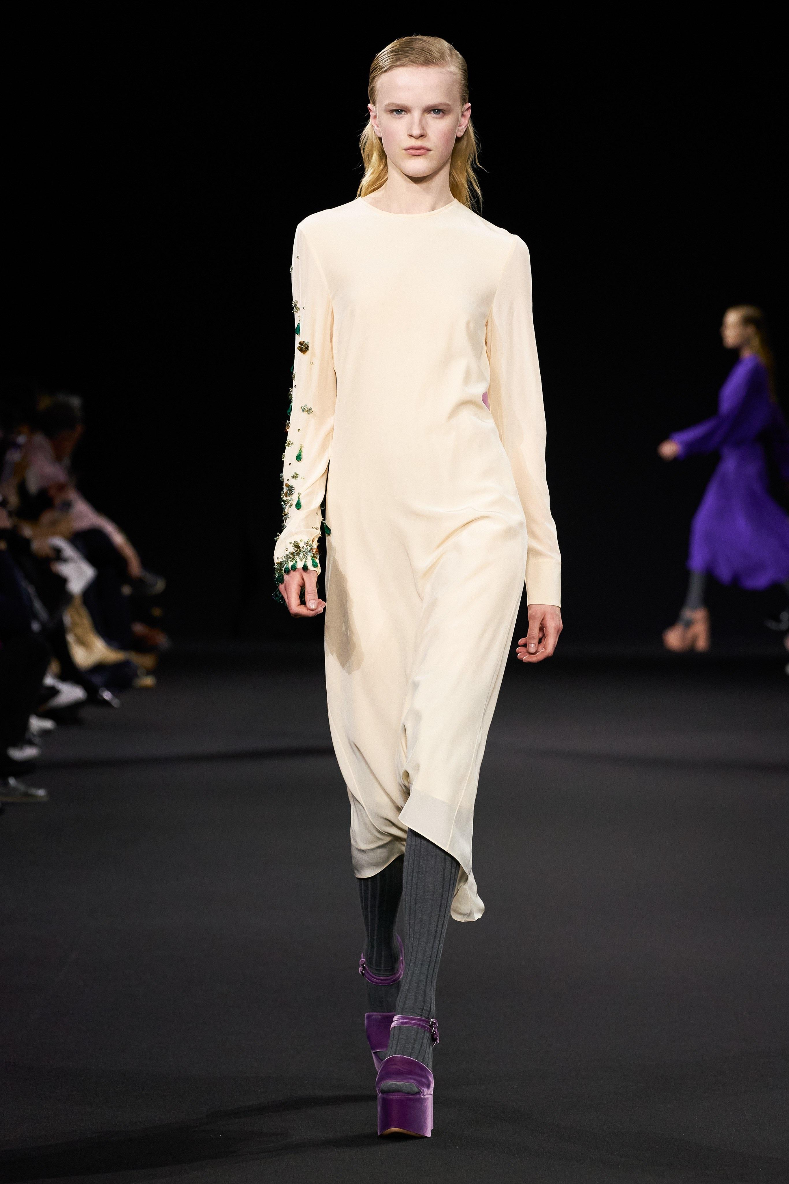 Thời trang nữ quyền của Dior tại Paris Fashion Week - 13