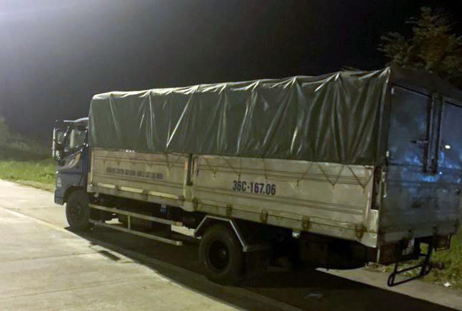 Phạt 17 triệu đồng tài xế xe tải đi ngược chiều cao tốc Hà Nội - Hải Phòng - 1