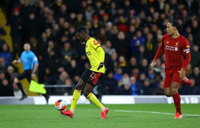 """Video highlight trận Watford - Liverpool: """"Địa chấn"""" choáng váng, bi kịch khó ngờ - 1"""
