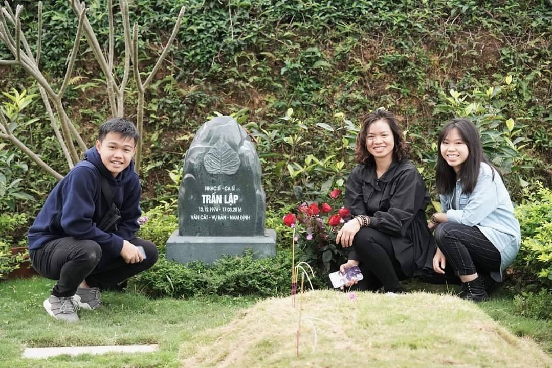 Gần 4 năm ngày giỗ Trần Lập, vợ con cùng ban nhạc Bức Tường chia sẻ xúc động - 1