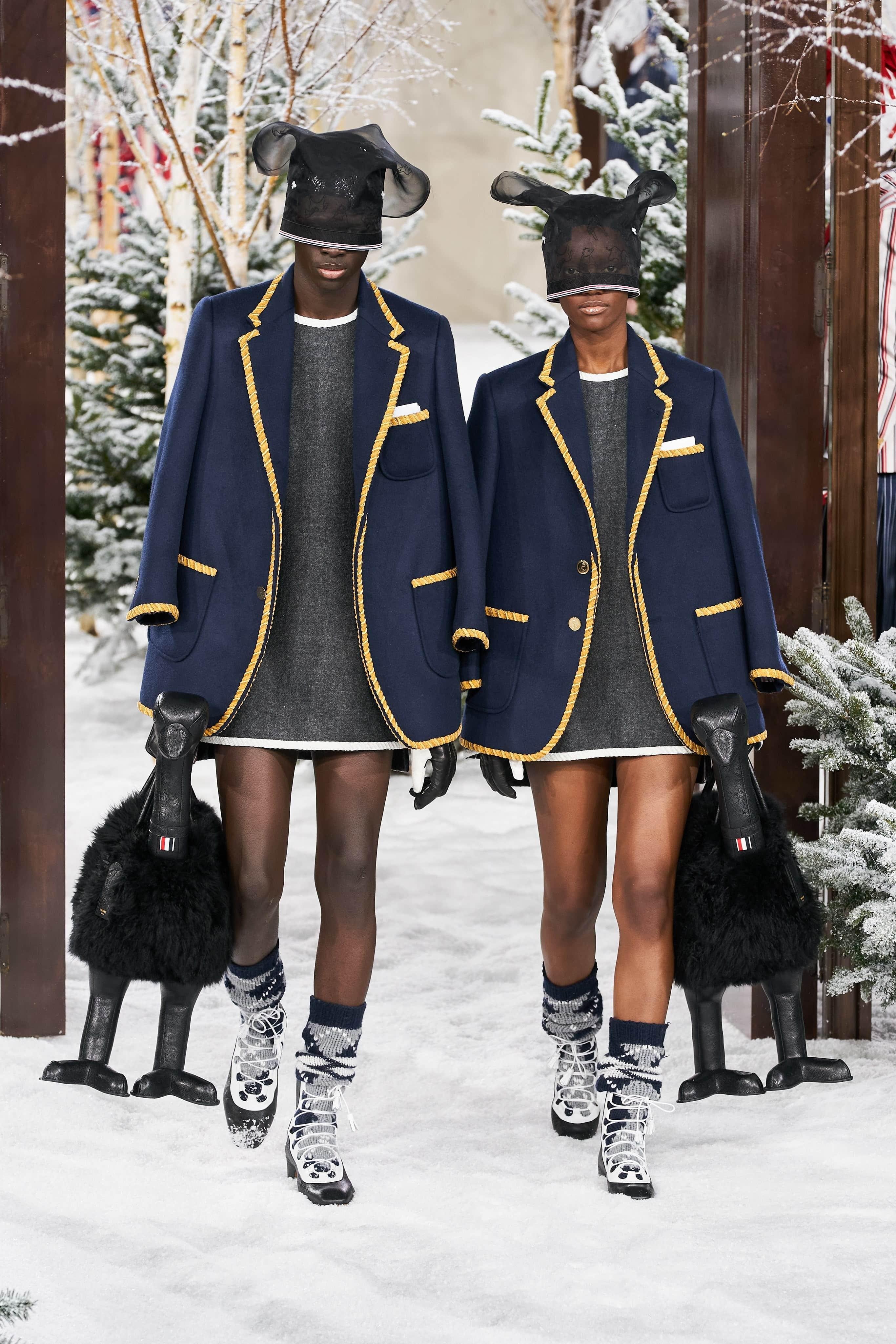 Người mẫu đội đầu thú lên trình diễn thời trang tại Paris Fashion Week - 4
