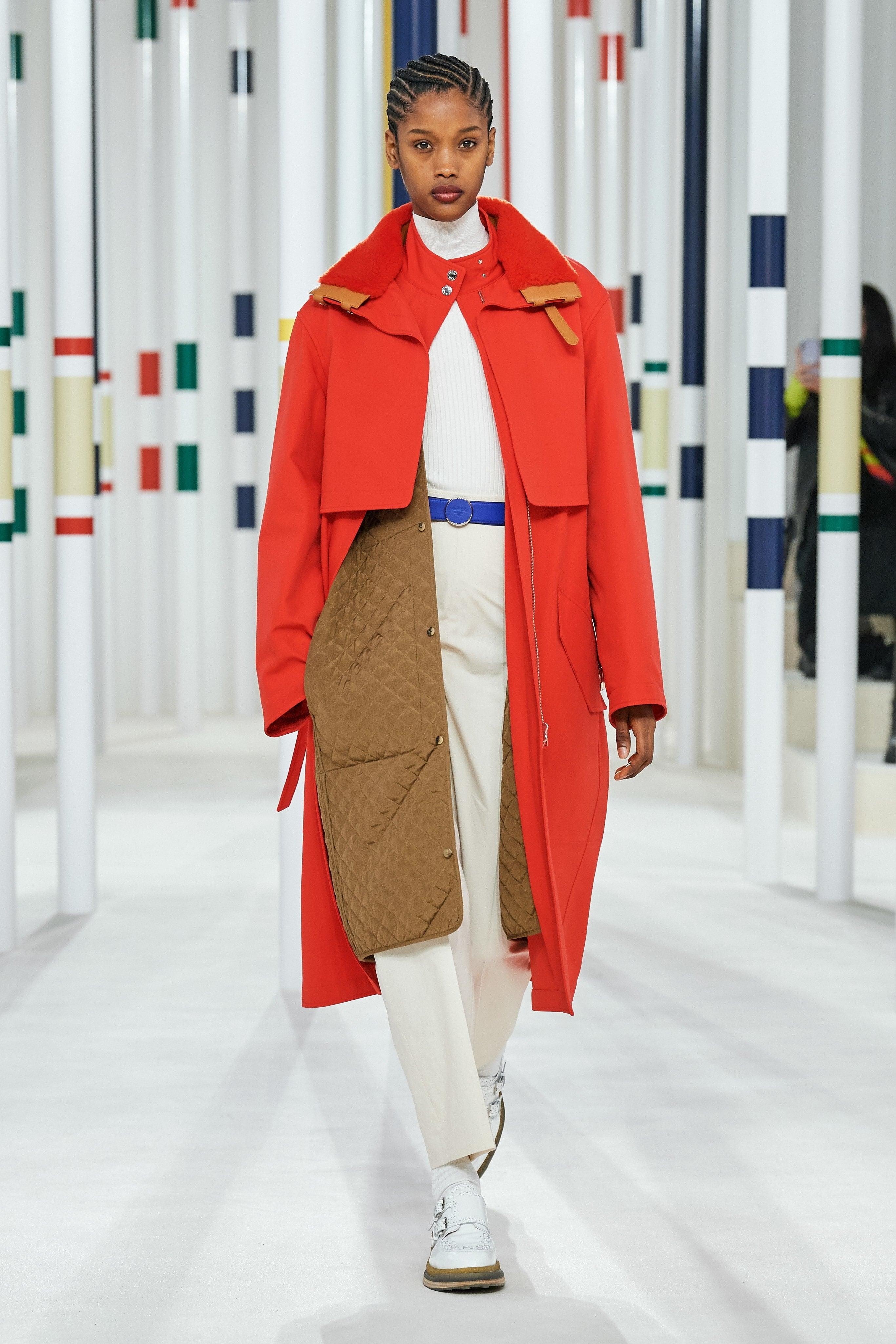 Người mẫu đội đầu thú lên trình diễn thời trang tại Paris Fashion Week - 6